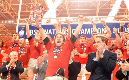 Ryan Jones lifts the RBS 6 Nations Trophy at the end of the 2008 Championship