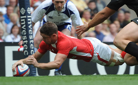 Shae Williams touches down against England in the 2011 Investec Challenge match at Twickenham to stretch his try-scoring record