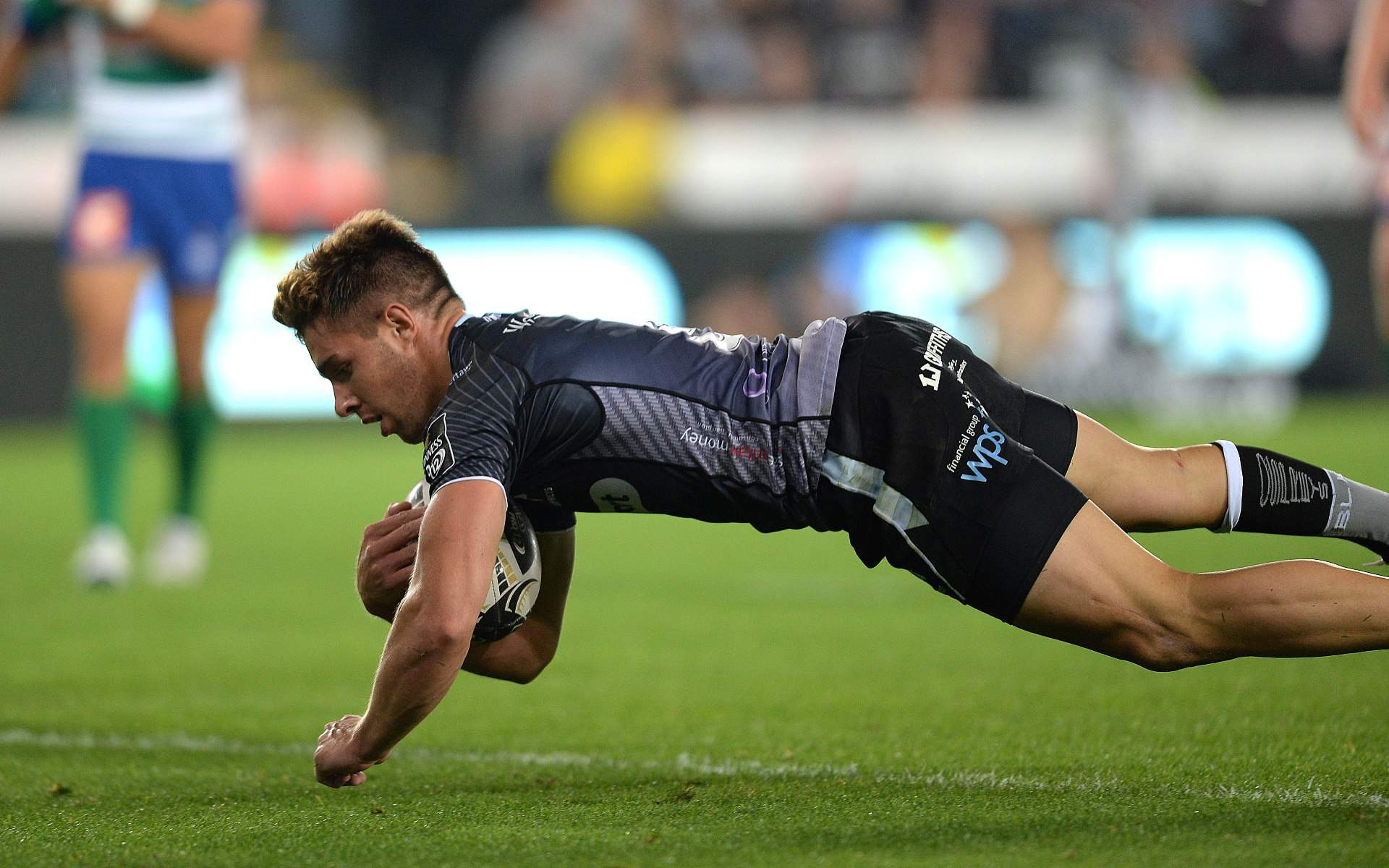Ospreys remain only unbeaten team at Europe's top table