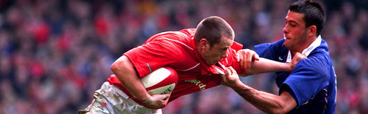Kevin Morgan in action against France during the 2002 Lloyds TSB Six Nations