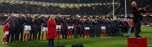Katherine Jenkins leads Wales in the National Anthem before New Zealand during the Lloyds TSB Autumn Series