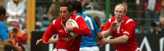 Shanklin with centre partner Gavin Henson putting on a no-nonsense performance in Italy