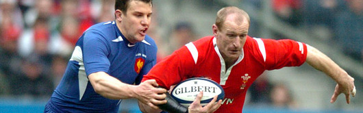 France are expecting a bruising encounter like last season's clash in Paris which left Gareth Thomas injured at half time