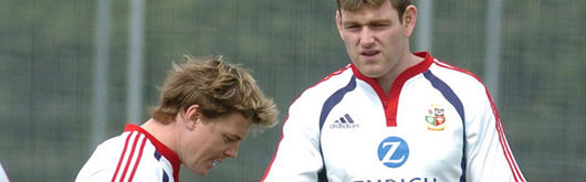 Michael Owen and Brian O'Driscoll swap notes during training