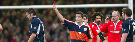 Scott Murray is dismissed by Steve Walsh