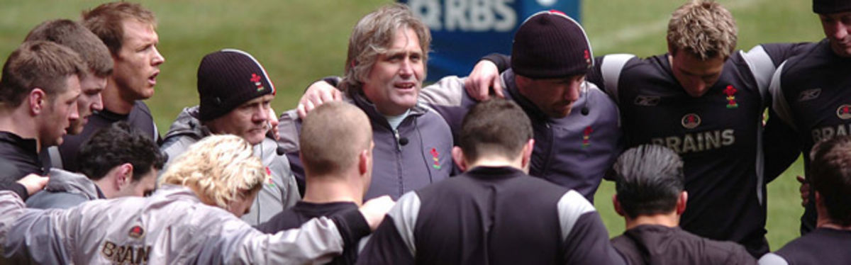 Scott Johnson rallies the troops at the end of the Captain's run before France