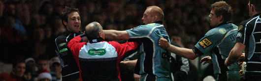 Martyn Williams lashes out at Jason Spice in the incident that produced the red card and subsequent ban