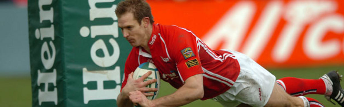 Dafydd James in try-scoring action against London Irish
