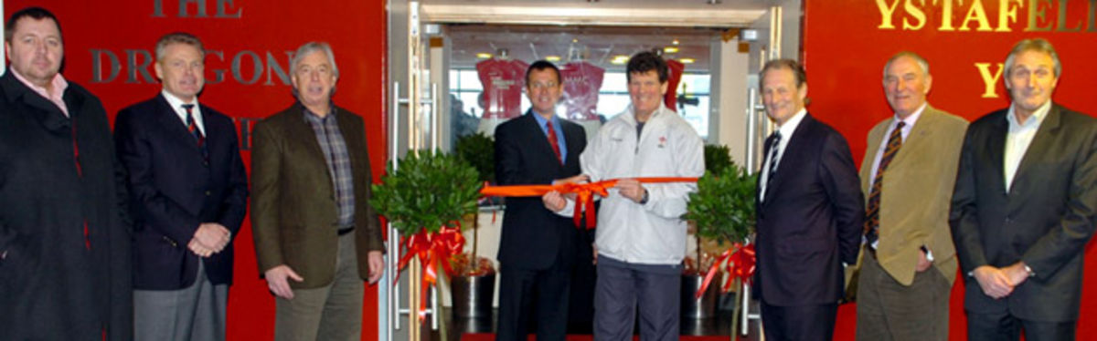 WRU Group Chief Executive Roger Lewis and Wales National Coach Gareth Jenkins cut the ribbon on the Dragons Suite