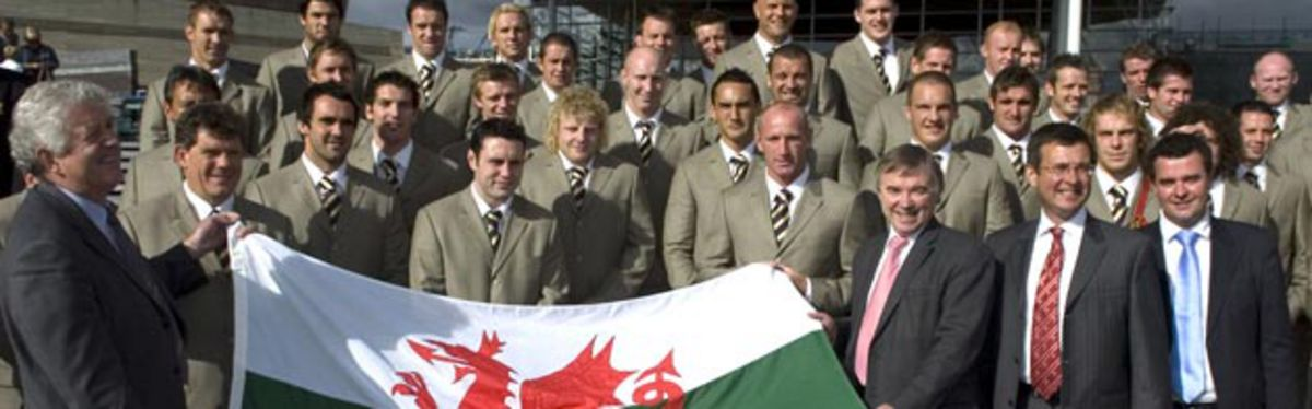 First Minister Rhodri Morgan and Deputy First Minister Ieuan Wyn Jones with the Welsh squad