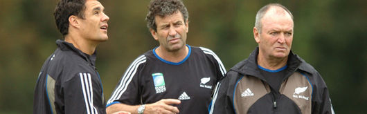 Wayne Smith (centre with Dan Carter & Graham Henry) is enjoying being at his 'second home'