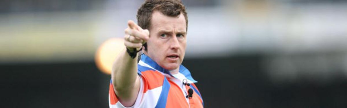 Welsh referee Nigel Owens will officiate at the Heineken Cup Semi-Final between Saracens and Munster