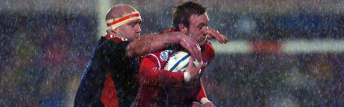 Llanelli Scarlets' fullback Morgan Stoddart gained two tries for the Welsh region