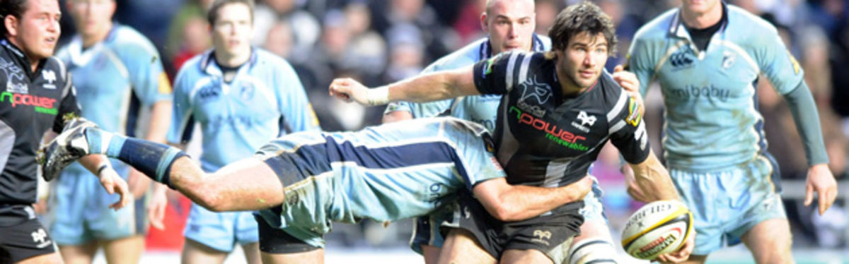 Mike Phillips in Magners League action against the Cardiff Blues