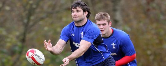 Dan Lydiate (background)