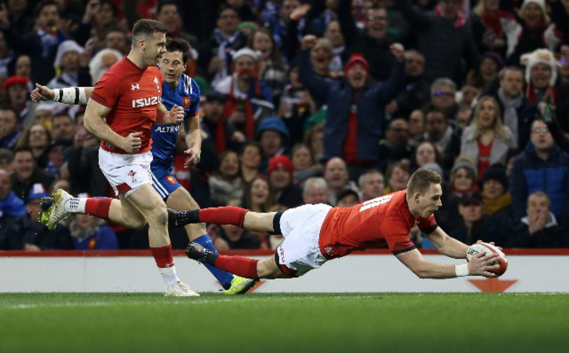 REPORT: Wales hang on to beat France and finish as runners-up