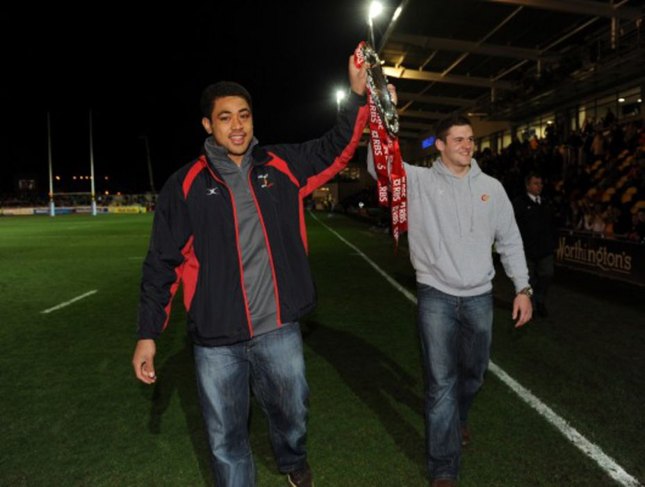 Toby Faletau (Right), Dan Lydiate (Left)