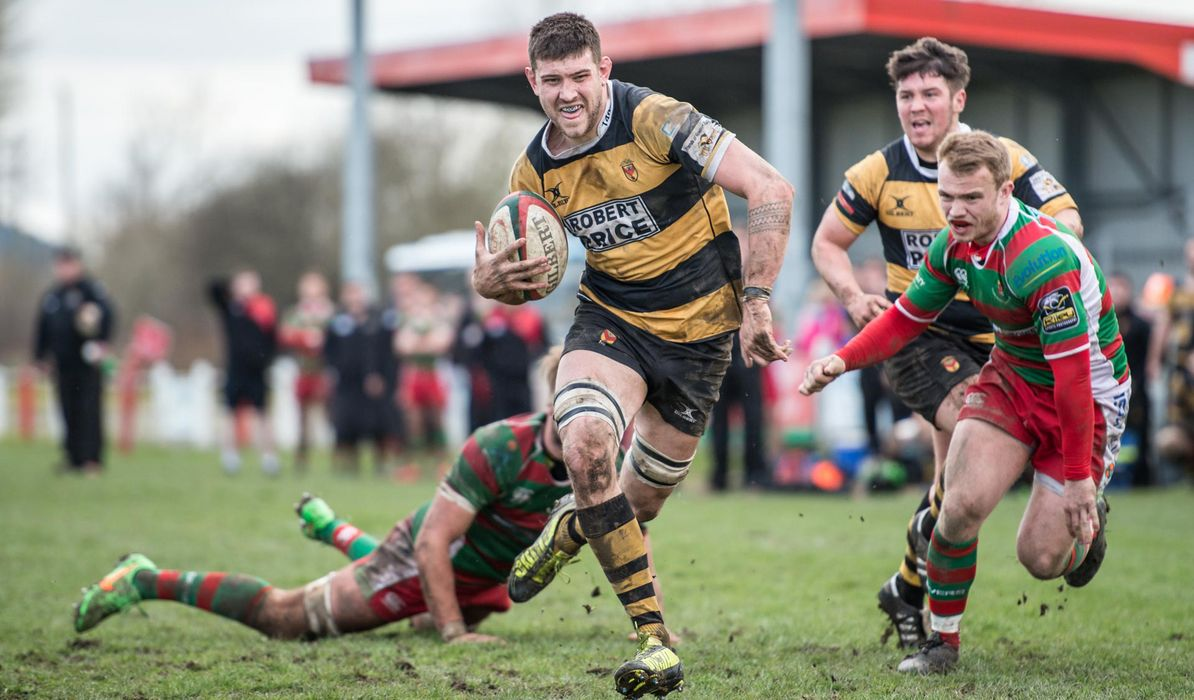 Steelmen hang on to win at Quins