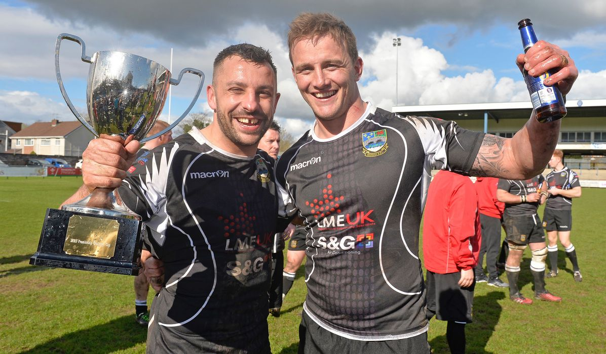 Foster's Challenge Cup Final: Bedwas hang on to win