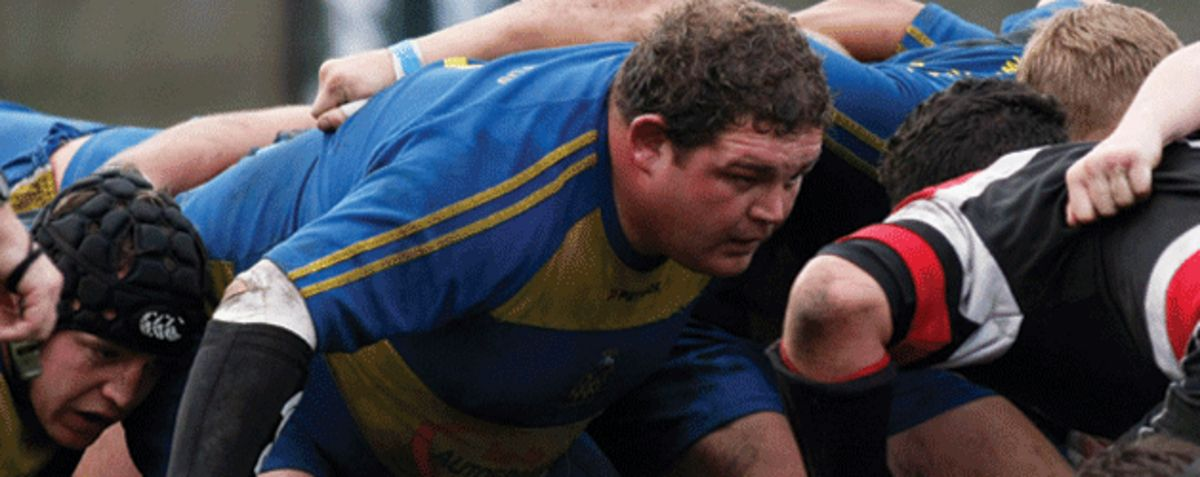 Porth Quins prop Dean Perry in action