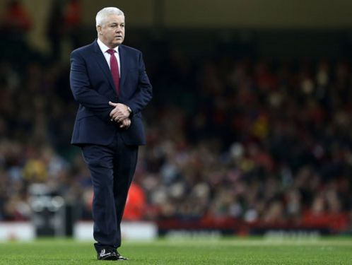 Warren Gatland discusses positioning during a Wales training session